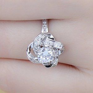 *NEW 925 Sterling Silver Diamond Infninity Ring